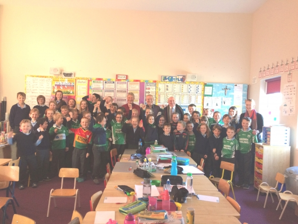 Pupils at St. Michaels N.S. in the parish of St. Mullins GAA Club with Carlow GAA legends, Moling Morrissey and Cyril Hughes had loads of questions for the two Carlow giants